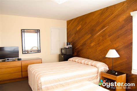 san francisco hotel suites 2 bedroom the three queen beds two bedrooms at the ocean park motel