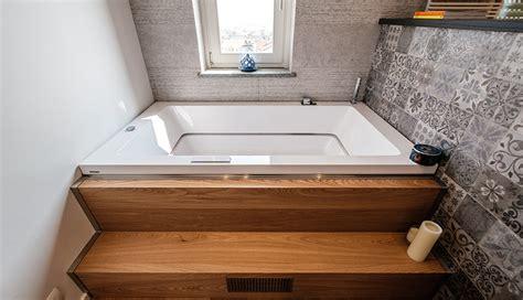 vasche in legno rem bagno di tendenza con rivestimenti in legno e