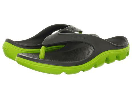 crocs duet sport flip flop graphite volt green shipped