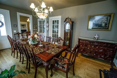 bed breakfast com dining room the greenleaf mansion bed and breakfast