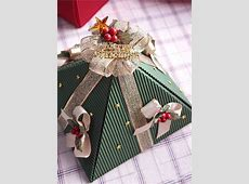 DIY Christmas gift wrap ideas - Handmade bows, gift bags ... Ideas For Decorating A Cake For Christmas