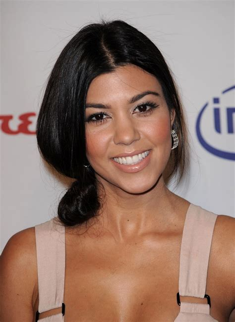 kourtney kardashian kourtney kardashian wallpapers 14614 beautiful kourtney