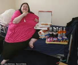 bed diet britain s fattest woman who weighed 40st dies of a heart