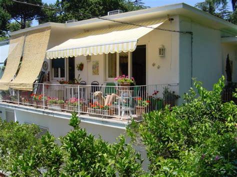 in vendita posillipo villa villetta in vendita napoli via posillipo a 640 000
