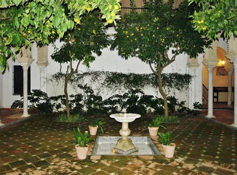 El Patio 5 by La Casa De Los Pinelo 5 El Patio Central Paperblog