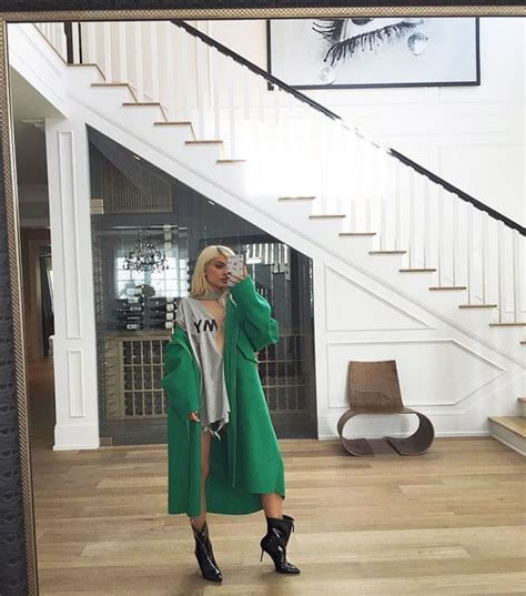 kylie jenner house best 25 kylie jenner house ideas on pinterest kylie jenner bedroom kylie jenner