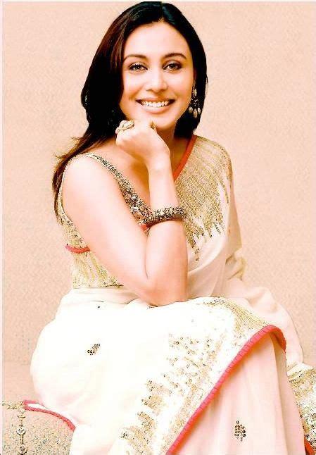 How To Drape An Indian Saree Rani Mukherjee Saree Bollywood And Sarees Designer