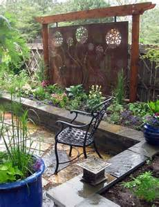 privacy screen for backyard gardening