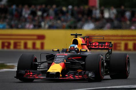 Topi Bull Racing F1 Daniel Ricciardo Original Official Merchandise daniel ricciardo gets new engine more penalties ensue
