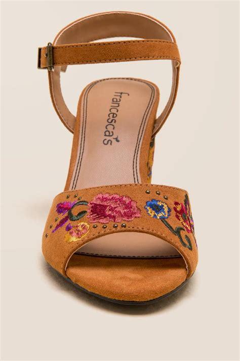 cognac wanita embroidered block heel s