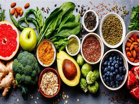 cibo e alimentazione interazione tra cibo e corpo differenza tra alimentazione