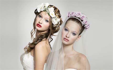 fiori capelli sposa sposa fiori tra i capelli it