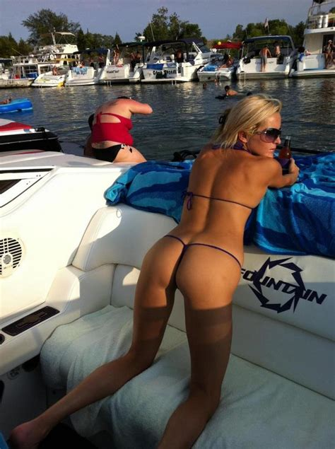sluts on boats boater girl of the week page 21 offshoreonly