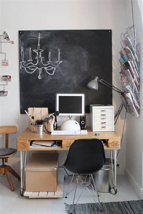 schreibtische vintage 19 diy pallet desks a way to save money and to