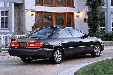 2000 lexus es300 value 1997 01 lexus es 300 consumer guide auto