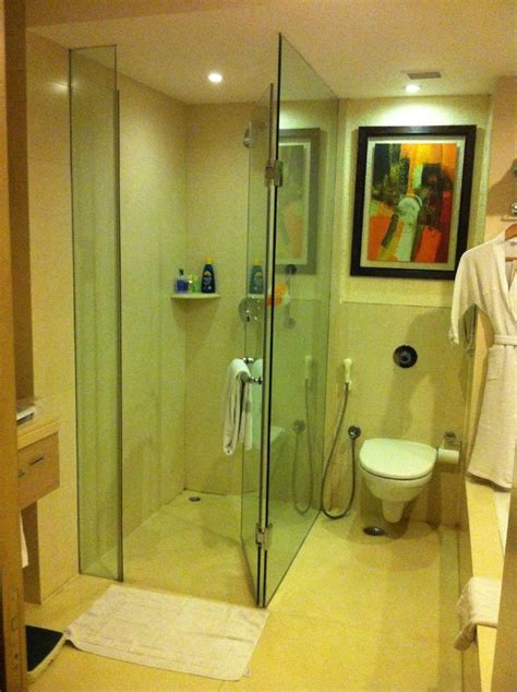 kolkata calcutta india hotel bathrooms images