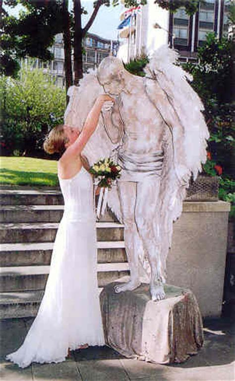 wedding statue human statues supplied all the uk clothed or fully