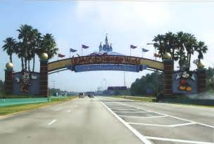 file disney world entrance png wikimedia commons