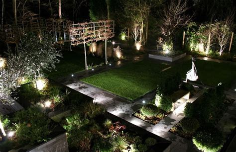 Solar Lights Landscaping The Best Solar Powered Lights Guide Uk 2016