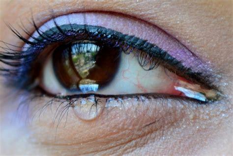 Mata Darah by Gadis Kecil Di Hk Menangis Darah Ini Penjelasannya