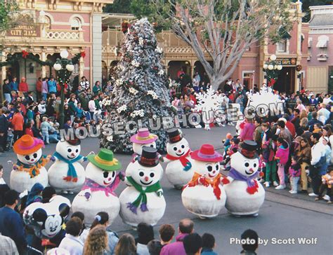 very merry christmas parade at disneyland 1992 mouse