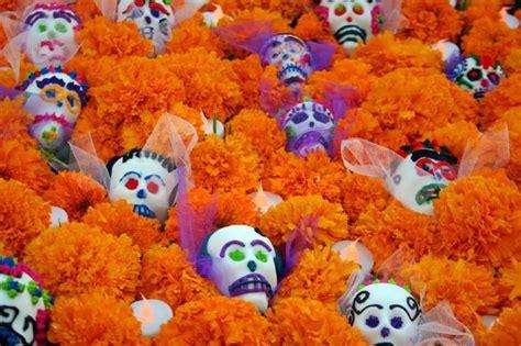 Pdf Flowers Dia De Los Muertos by Cempas 250 Chil Y Calaveras Dia De Muertos
