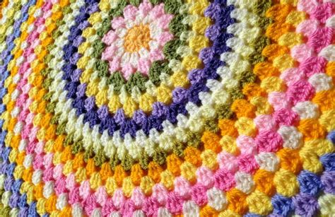 how to knit a flat circle with circular needles how to crochet a flat circle craftsy