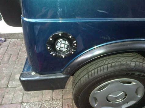 Tutup Tangki Jimny 1 jeep aksesoris fiberglass tutup tangki model tj custom jimny katana