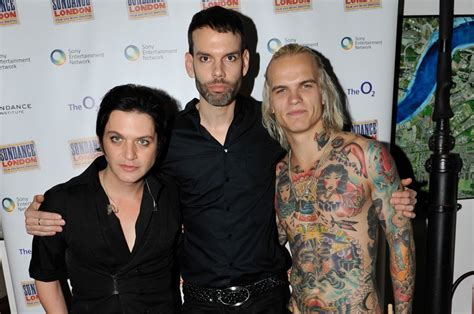 tattoo london mol merry xmas placebo whores battle for the sun