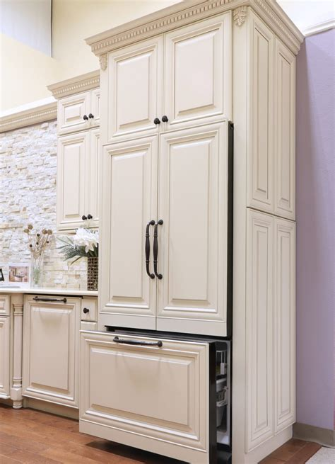 how to paint over stained cabinets how to apply glaze over stained cabinets home