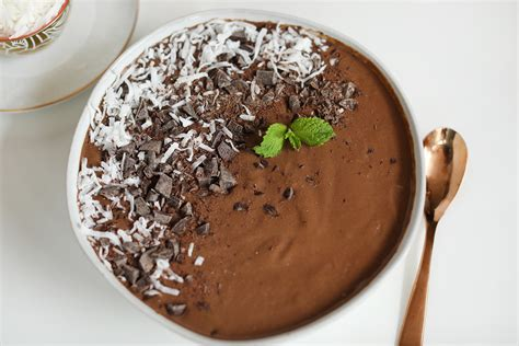 protein kale mint chocolate chip protein kale smoothie bowl amazing