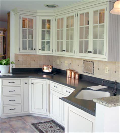 18 classic kitchen designs from ala cucine digsdigs classic kitchens porentreospingosdechuva