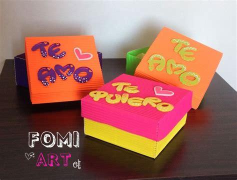 caja de regalo hecha de foami cajas con mensajes en fomi cartas y detalles de amor
