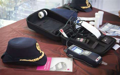 test antidroga polizia dalla polizia test antidroga sulla saliva per gli