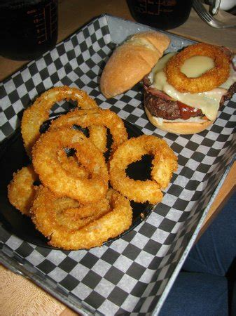 Pizza Places In Kitchener Ontario by Check Out Those Onion Rings Picture Of The Works