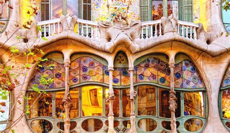 barcelona wallpaper gaudi guided private tours in valencia antoni gaudi barcelona