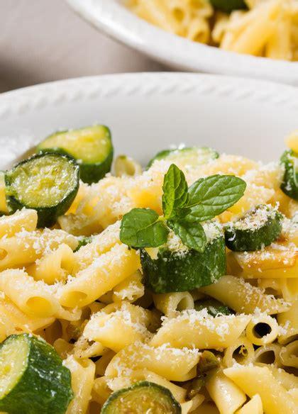 fiori con z pasta ai fiori di zucca e zucchine ricetta semplice per l