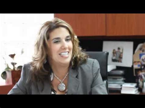 Fiu Mba Specializations by Fiu Alumna Elizabeth Izquierdo Sees Finance At The