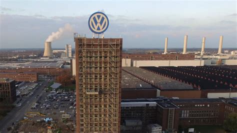 volkswagen germany headquarters unexploded bomb from world war ii found at volkswagen hq