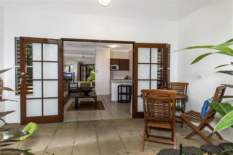 romantic couples getaways palm cove retreat accommodation reef house holidays details