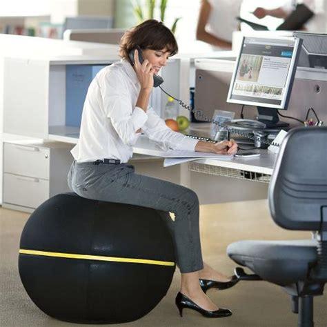fitball come sedia technogym palla per esercizi quando una fitball diventa
