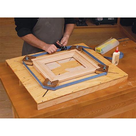 easy adjust picture frame jig woodworking plan  wood