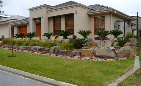 landscaping sloping front yard ideas bee home plan home decoration ideas