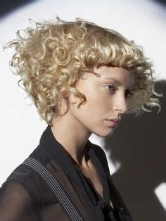 edgy haircuts san francisco 1000 images about bobs wobs lobs a line inverted on