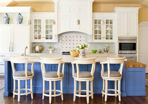 Blue And White Interiors Living Rooms Kitchens Bedrooms White Living Rooms Images