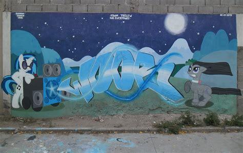 graffiti vinyl wallpaper vinyl scratch and octavia graffiti by shinodage on deviantart