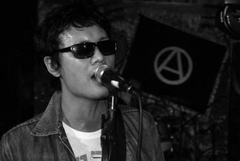 Kaos Slank Keren kaos dan jaket kesukaan anak band koleksi musik indonesia