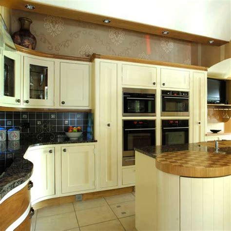 Kitchen Cabinets With Glass Fronts by Shaker Kitchens Kitchen Design Ideas Photo Gallery
