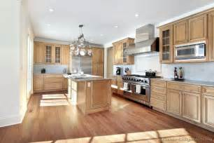 Kitchens With Light Wood Cabinets Traditional Light Wood Kitchen Cabinets 103 Kitchen