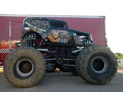 wheels monster trucks videos monster truck monster truck trucks 4x4 wheel wheels ge